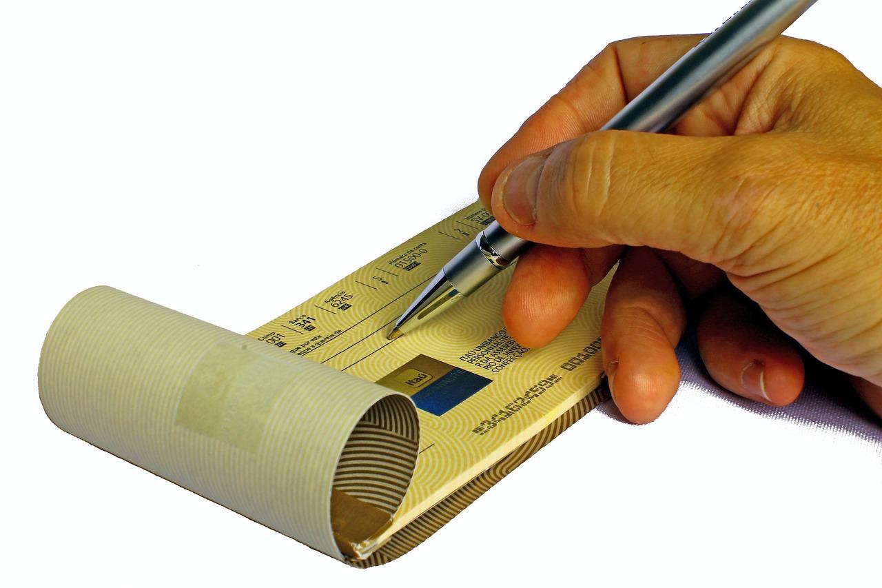checkbook-688352_1280